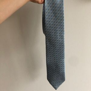 Cougar Blue and Yellow Patterned Silk Tie
